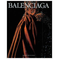 BALENCIAGA - (book)