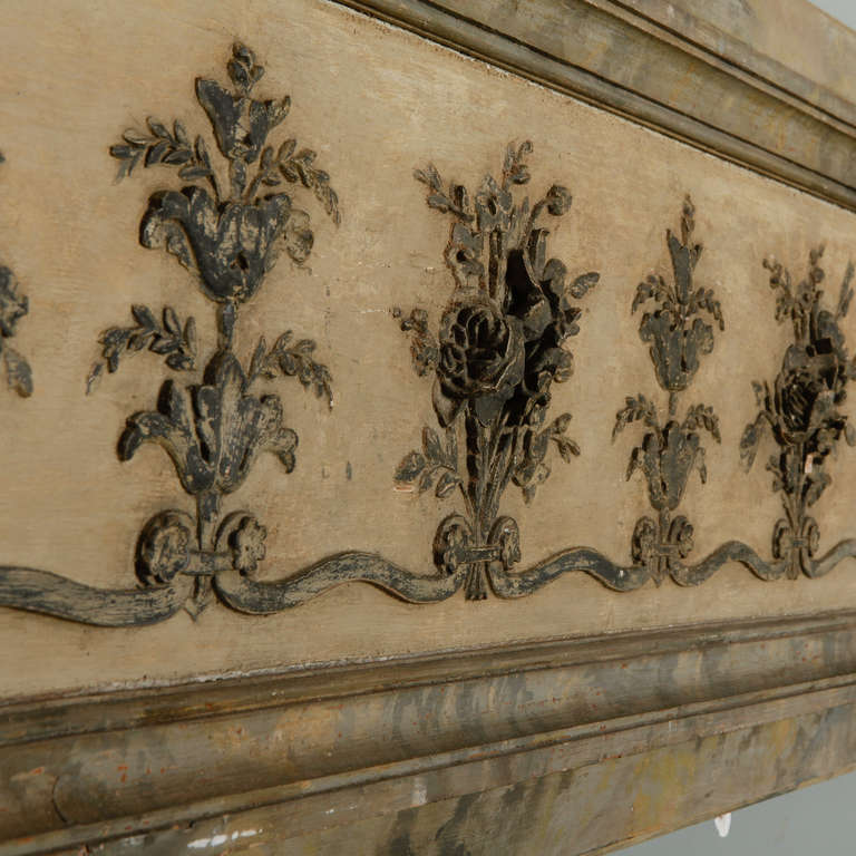 20th Century Long Narrow Italian Carved Wood Architectural Piece For Sale