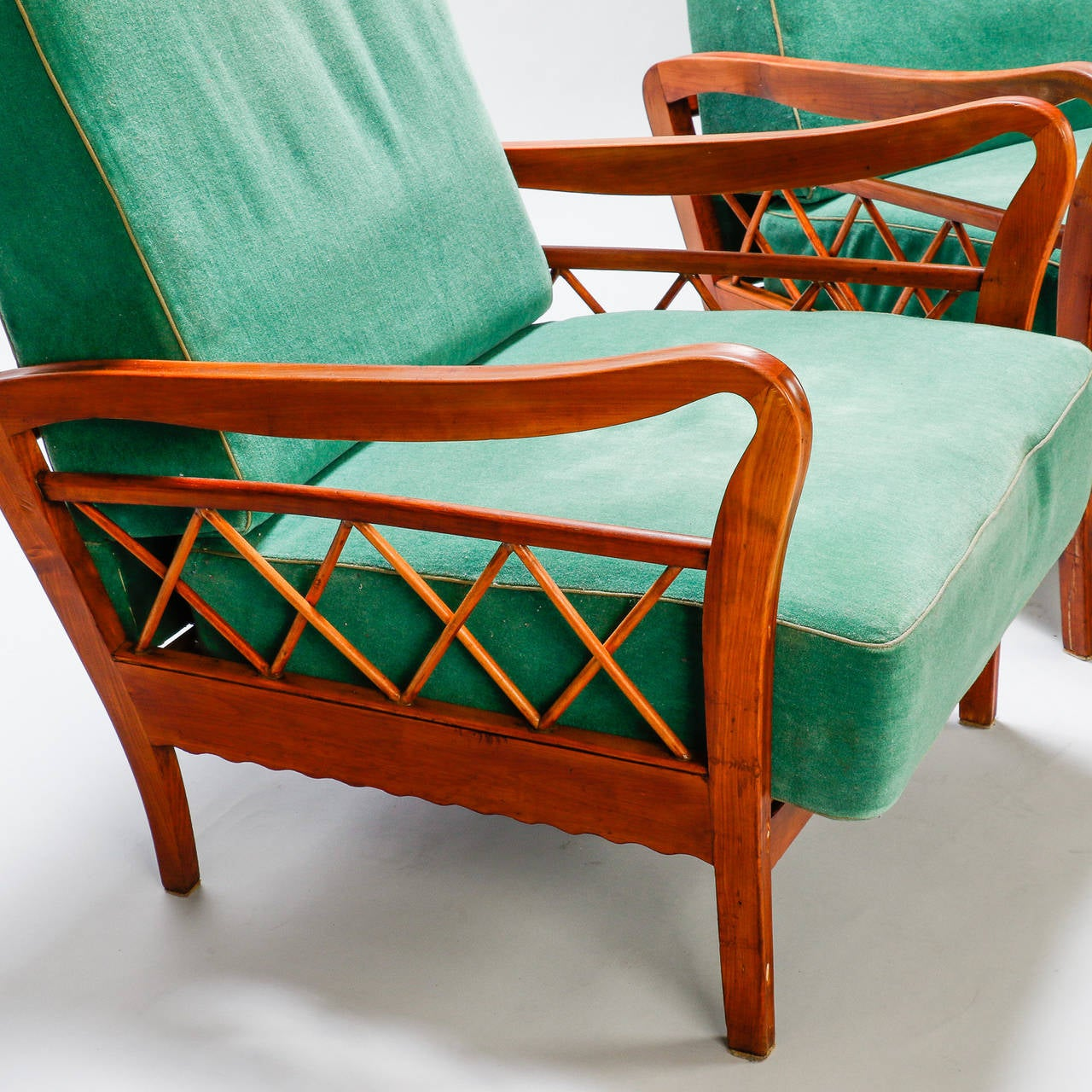 Mid-20th Century Pair of Open Work Lounge Chairs in the Manner of Paolo Buffa For Sale