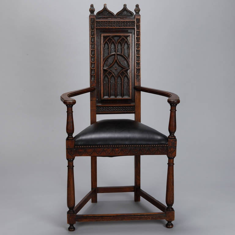 Pair of French Gothic Style Oak Hall Chairs In Good Condition For Sale In Troy, MI