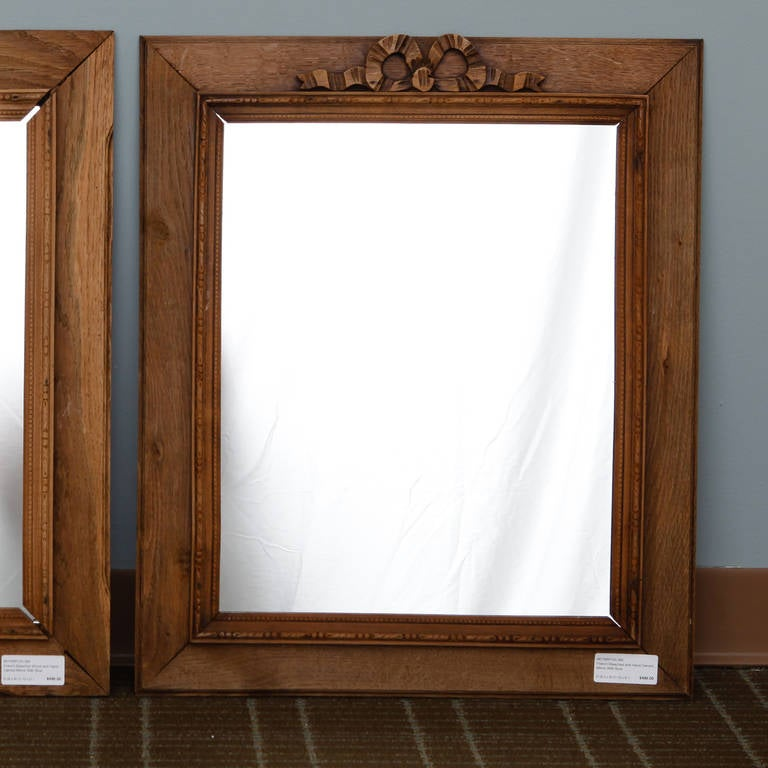 French Bleached and Hand-Carved Mirror with Bow In Good Condition In Troy, MI