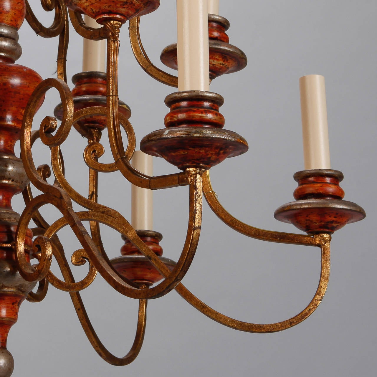 Mid-20th Century Twelve Light Italian Painted Wood and Scrolled Gilt Metal Chandelier For Sale