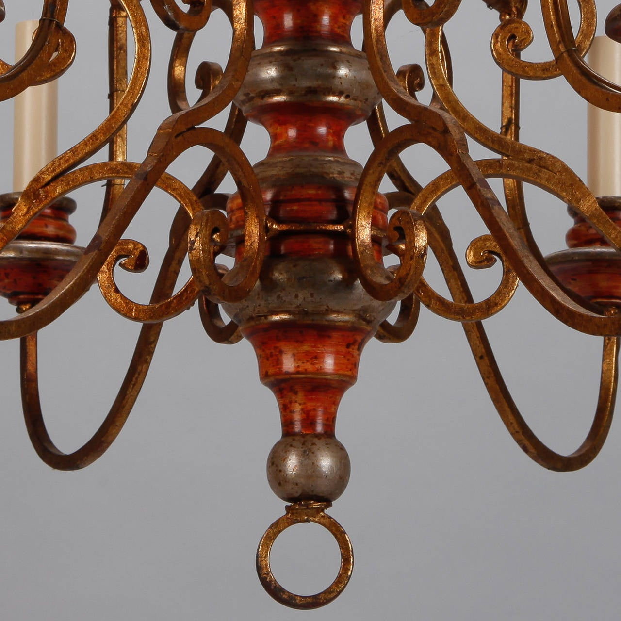 Twelve Light Italian Painted Wood and Scrolled Gilt Metal Chandelier For Sale 1