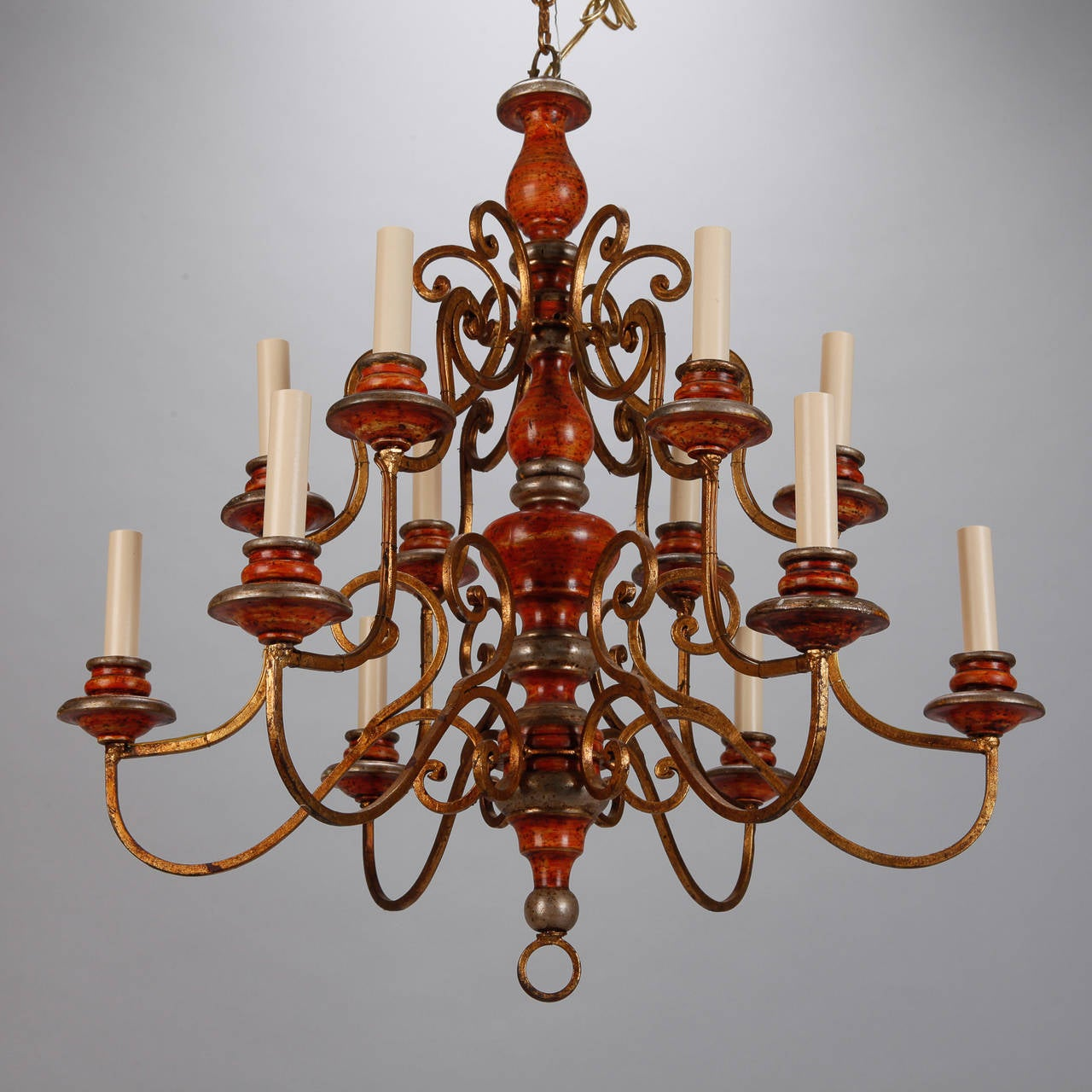 Twelve Light Italian Painted Wood and Scrolled Gilt Metal Chandelier For Sale 2