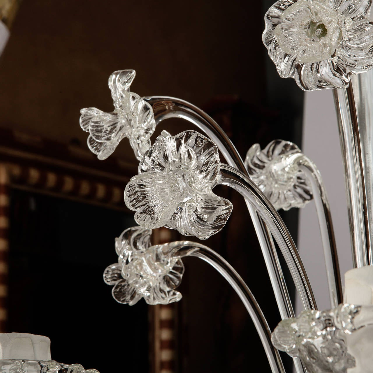 Early 20th Century Venetian Five-Light Clear Glass Daffodil Chandelier For Sale