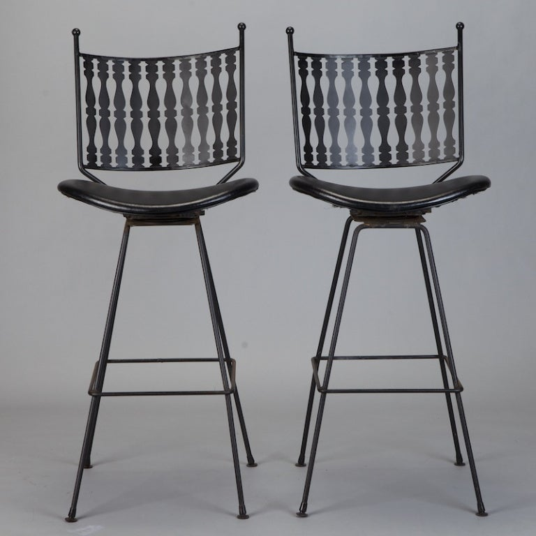 Set of Four Mid Century Swivel Iron Bar Stools By Arthur  : 899913394737082 from 1stdibs.com size 768 x 768 jpeg 61kB