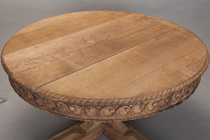 19th Century Dutch Bleached Oak Pedestal Table For Sale 3
