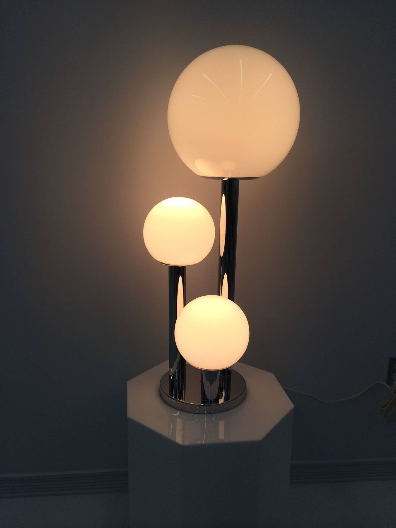 Mid Century Modern Italian Tri Globe Lamp And Table For