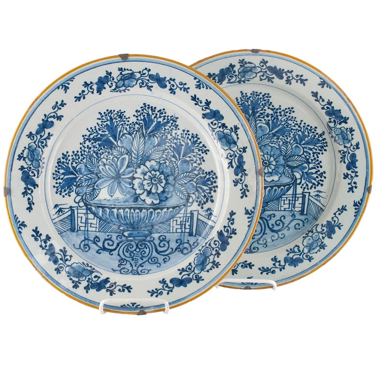 Pair Of 17th 18th Century Dutch Delft Chargers At 1stdibs