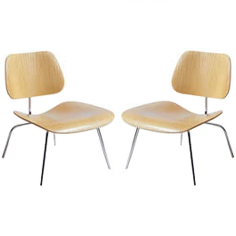 pair of eames chairs 20th c at 1stdibs. Black Bedroom Furniture Sets. Home Design Ideas