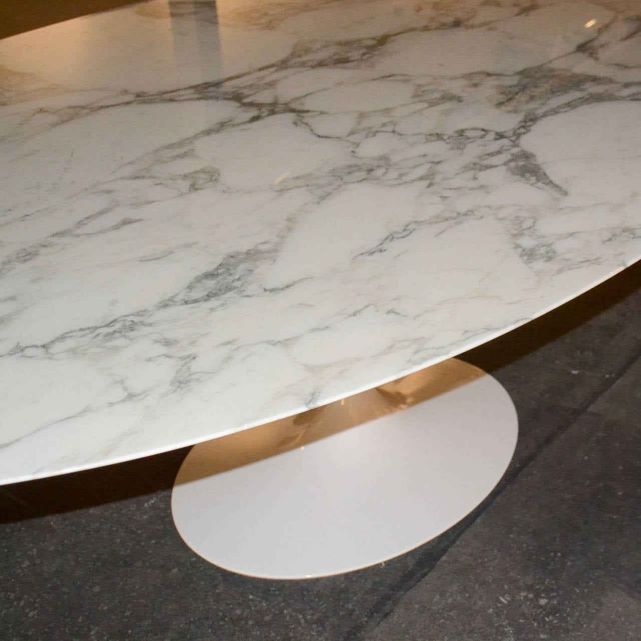 Saarinen Tulip Oval Dining Or Conference Table With Marble Top Image 4
