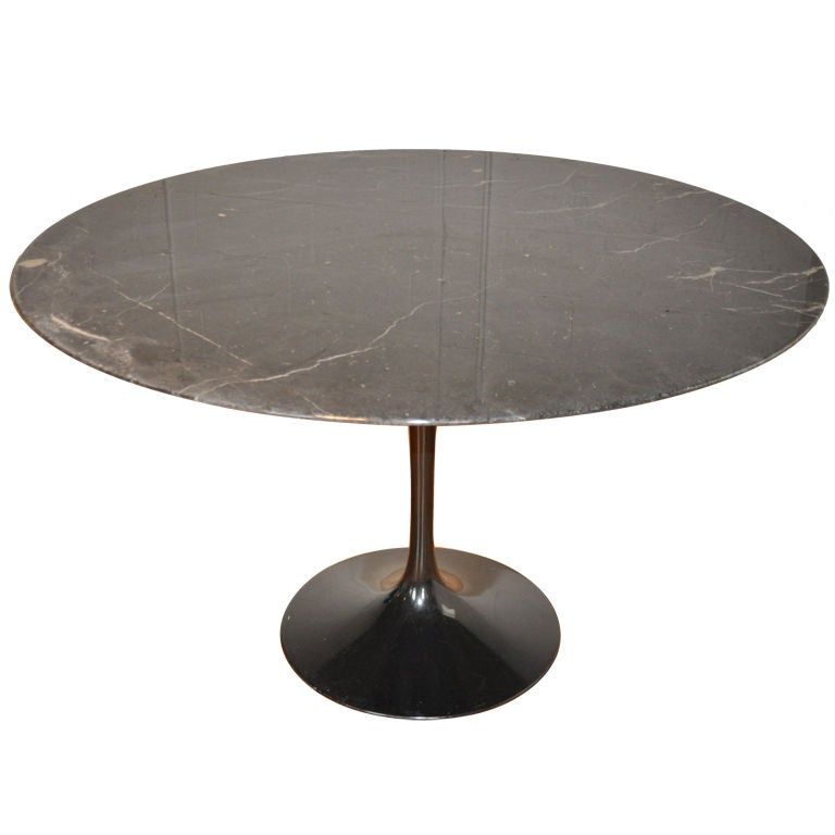 black marble dining table saarinen at 1stdibs