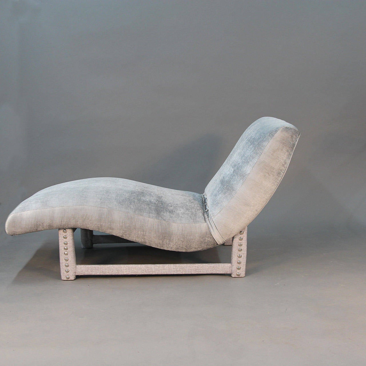 Post modern wave chaise longue in the millennium style for for Chaise 64 cm