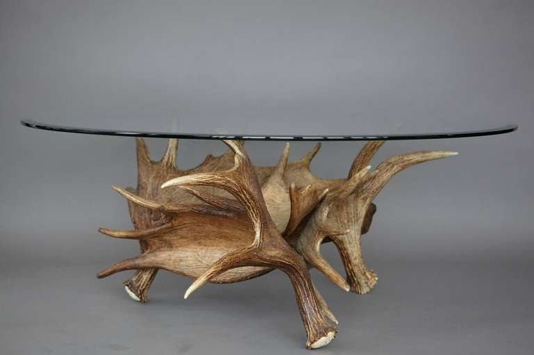 Merveilleux Modern Moose Antler Coffee Table For Sale