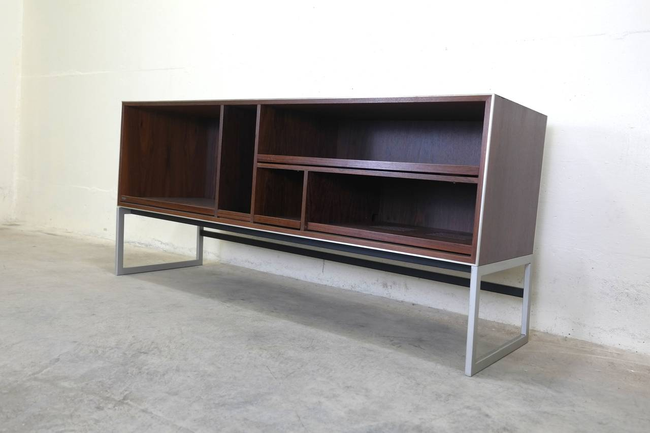 Scandinavian Modern Bang U0026 Olufsen Credenza Stereo Cabinet In Rosewood For  Sale