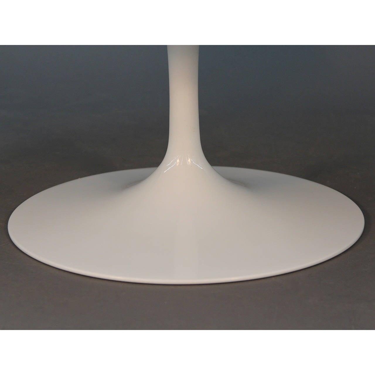 Saarinen Tulip Coffee Table Tulip Coffee Table Image 4