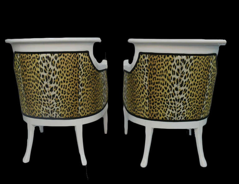 Mid-20th Century Pair of Hollywood Regency Leopard Print Lacquered Arm Chairs For Sale