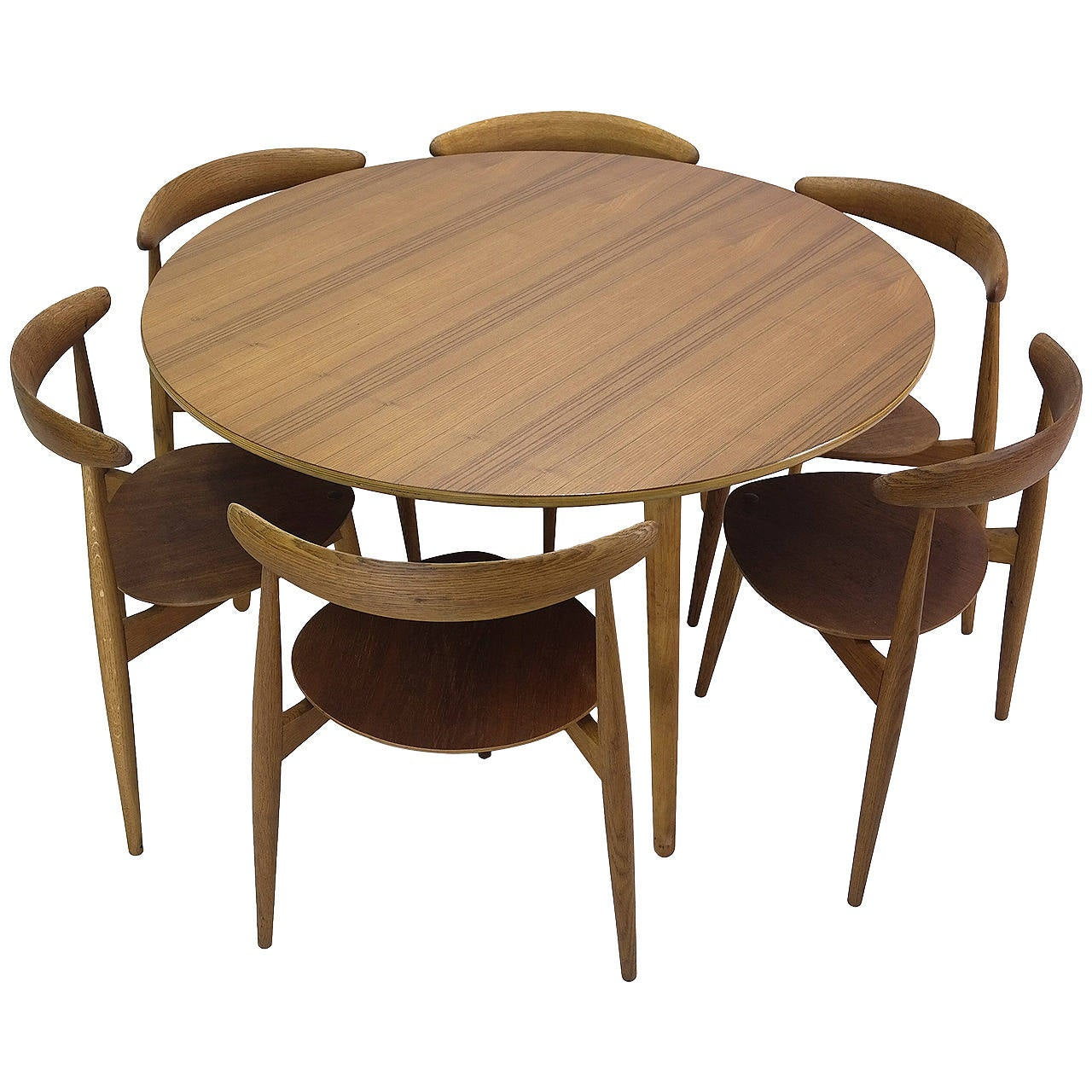 Hans Wegner Round Dining Table And Matching Heart Shaped Chairs For Fritz Hansen