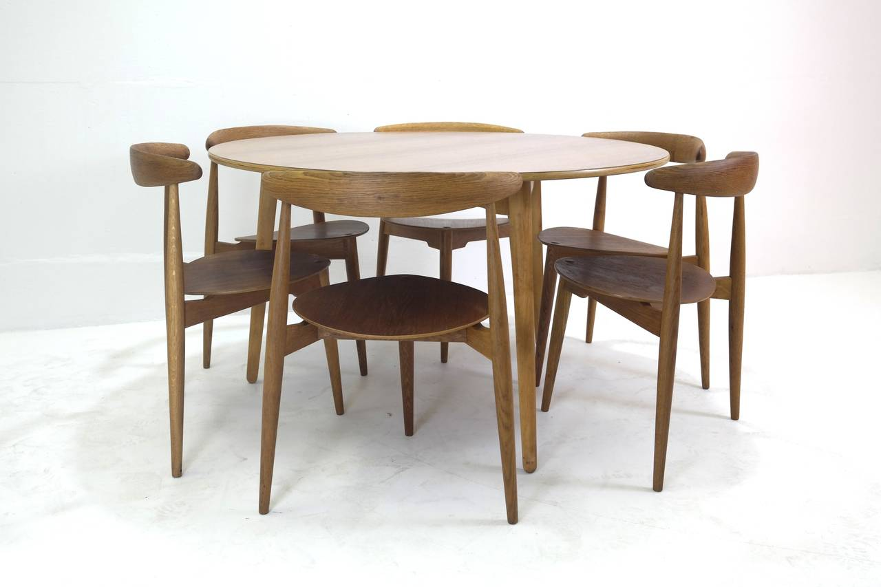Danish Hans Wegner Round Dining Table and Matching Heart Shaped Chairs for Fritz Hansen