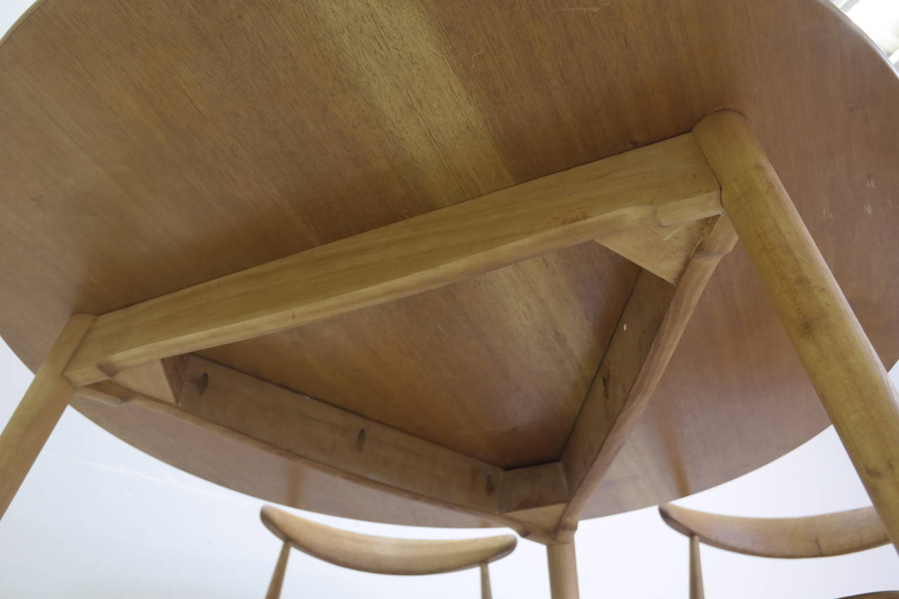 Hans Wegner Round Dining Table and Matching Heart Shaped Chairs for Fritz Hansen 3