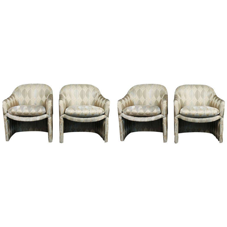 A Set Of Four Milo Baughman For Thayer Coggin Barrel Chairs In Beautiful  Condition. Fantastic