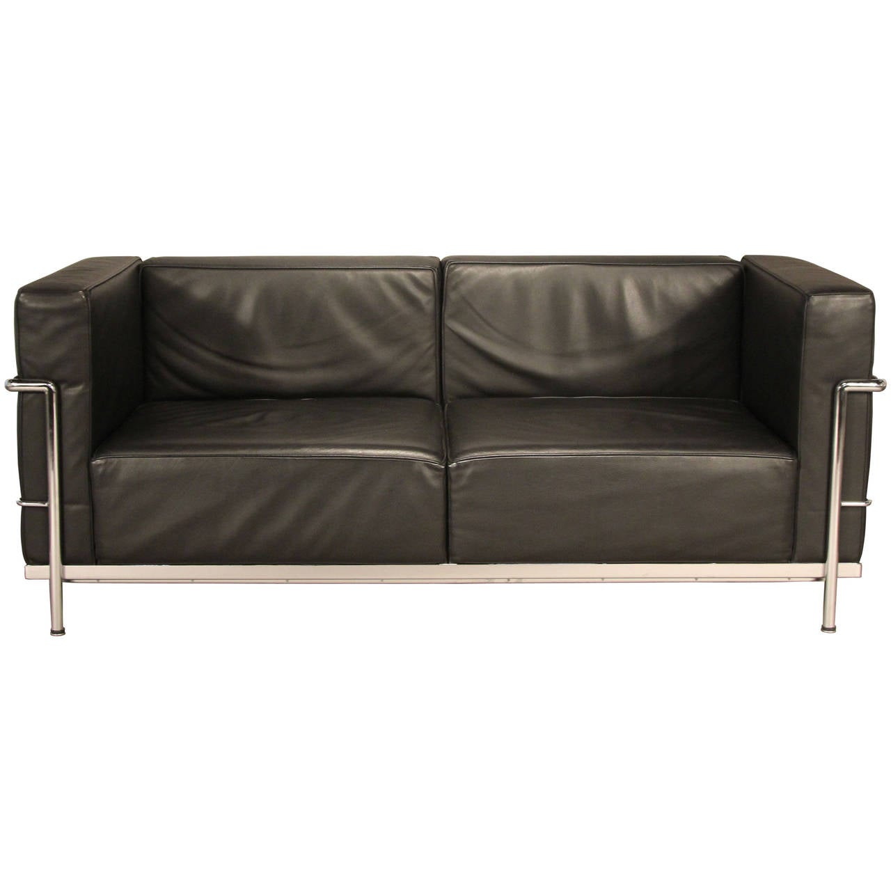 le corbusier lc3 leather and chrome loveseat sofa at 1stdibs. Black Bedroom Furniture Sets. Home Design Ideas