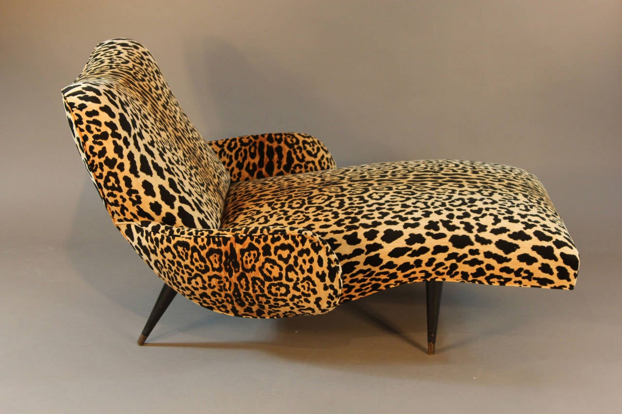 Mid century leopard print velvet chaise longue at 1stdibs for Animal print chaise lounge furniture
