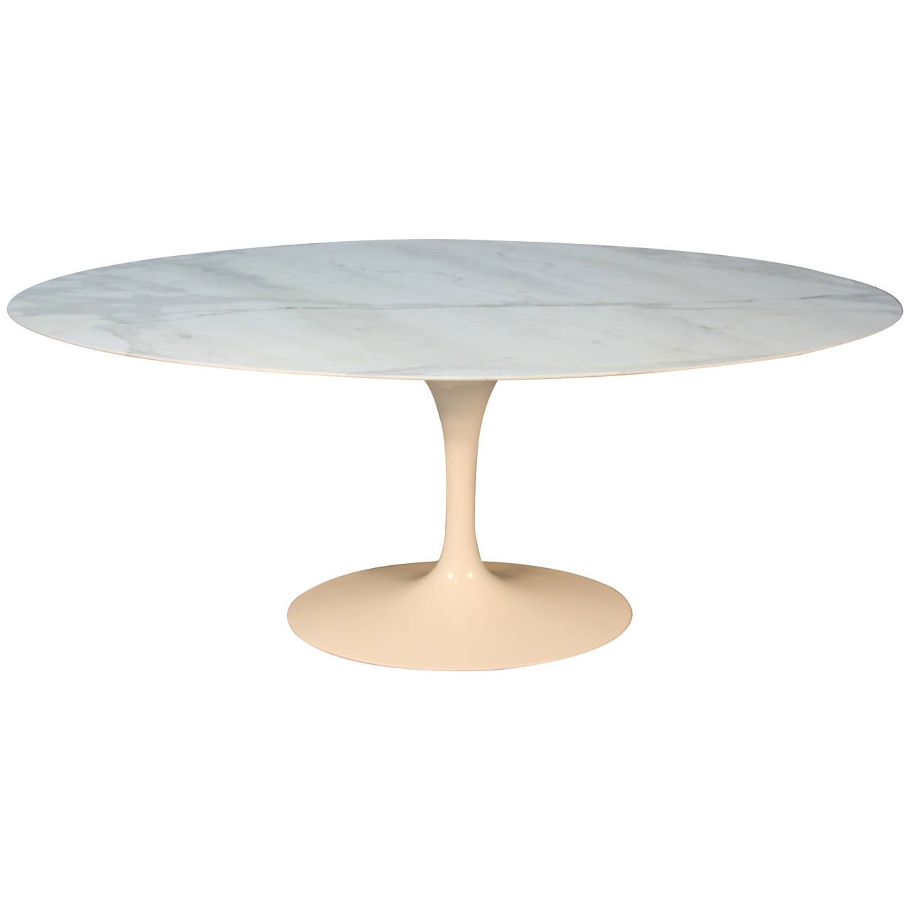 Saarinen oval marble top dining table at 1stdibs for Oval dining table