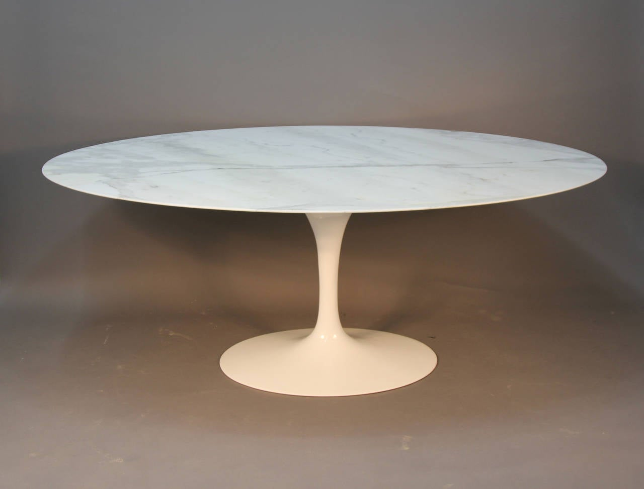 Oval marble dining table - Saarinen Oval Marble Top Dining Table 2
