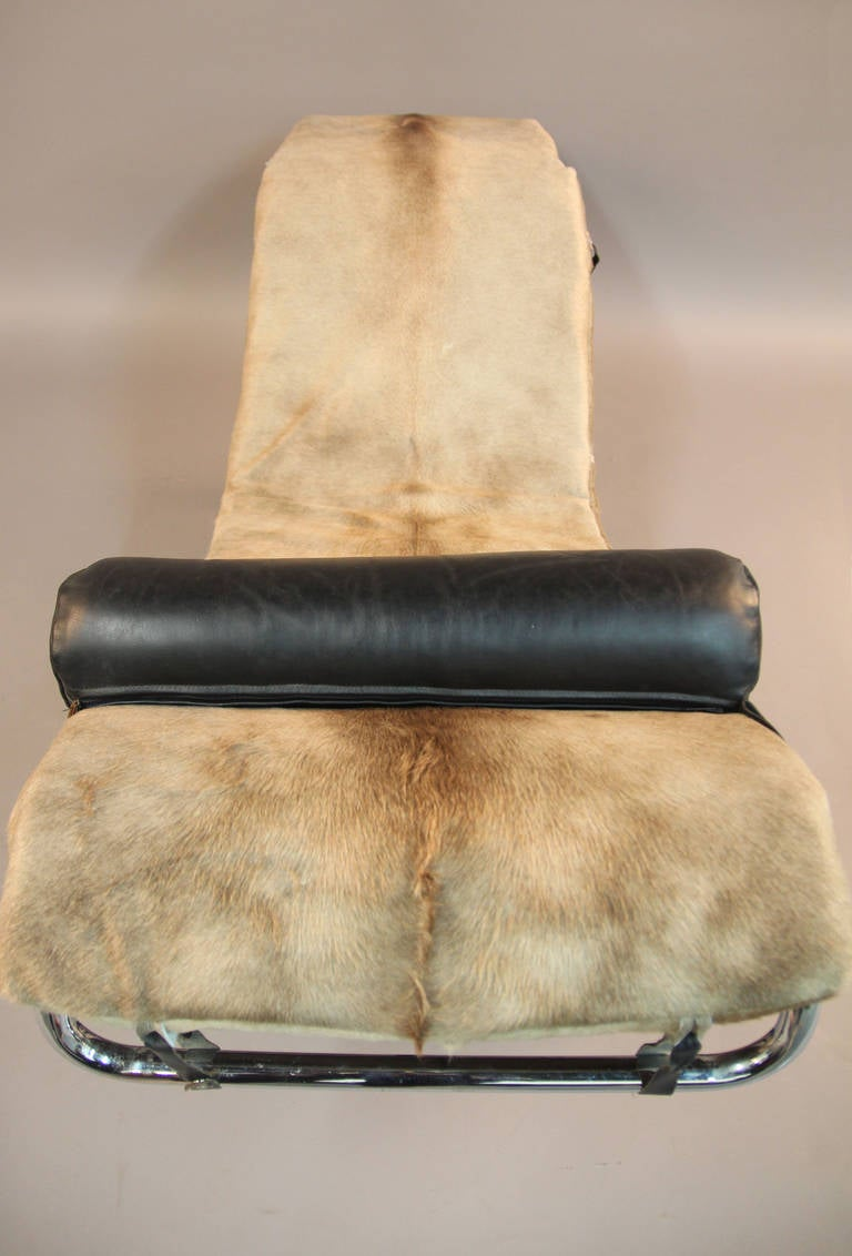 Vintage le corbusier lc4 style chaise lounge at 1stdibs for Antique chaise lounge styles