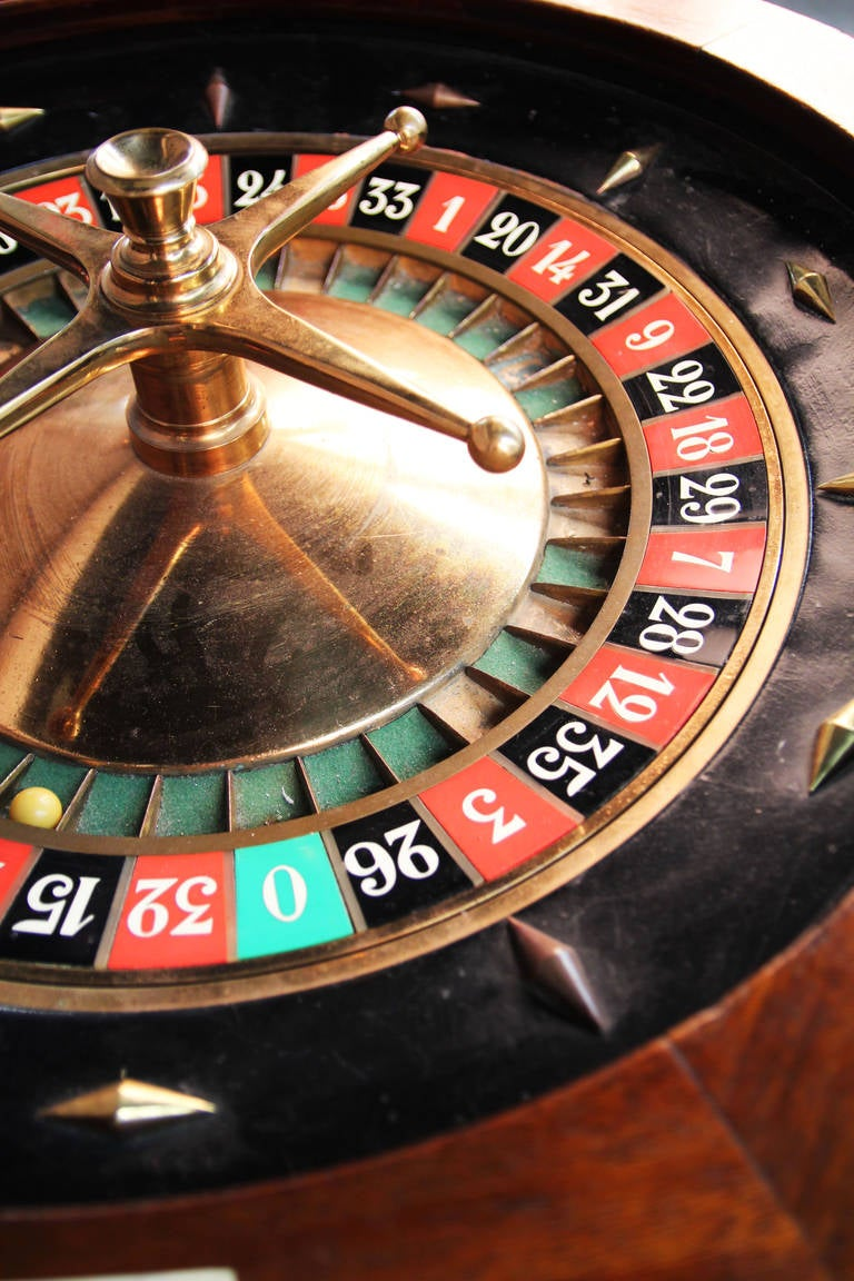 vintage roulette table for sale spela online kasino spel 500 casino bonus. Black Bedroom Furniture Sets. Home Design Ideas