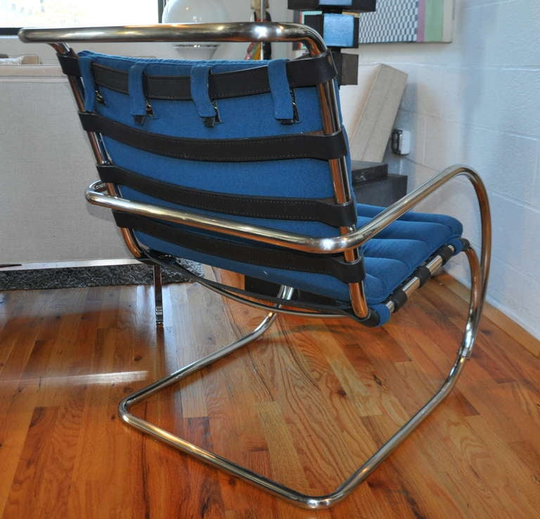this pair of mr lounge chairs mies van der rohe is no longer