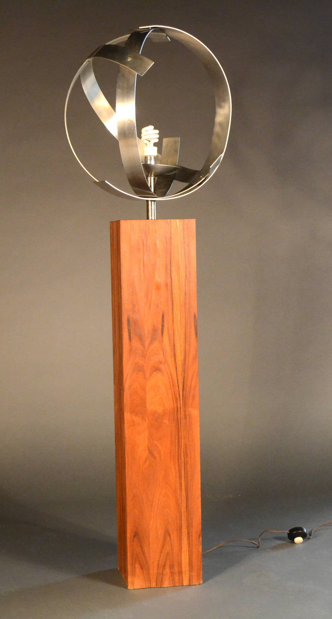 Laurel Standing Floor Lamp On Wooden Veneer Base At 1stdibs