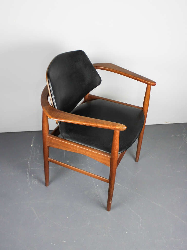 Mid Century Modern Teak Chair at 1stdibs
