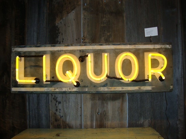 Liquor Sign with working Neon 2