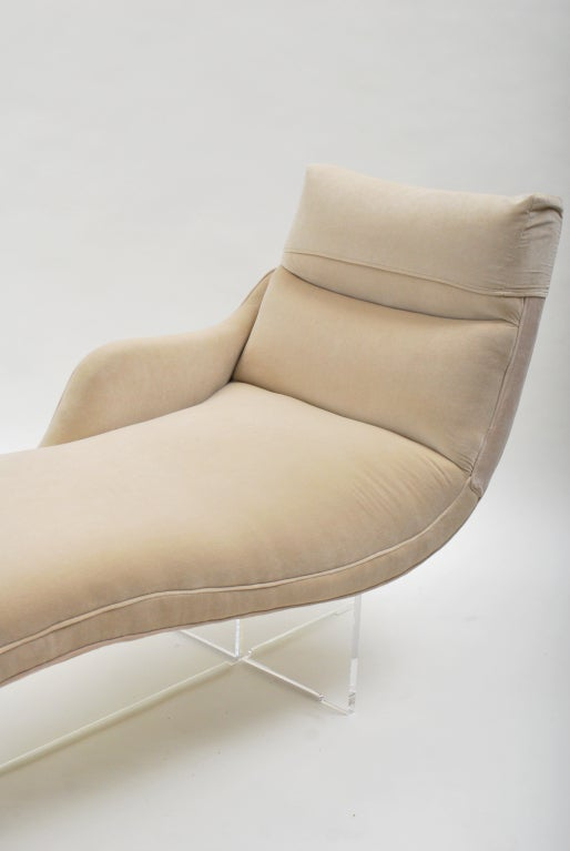 Mid-Century Modern Erica Chaise Longue by Vladimir Kagan For Sale