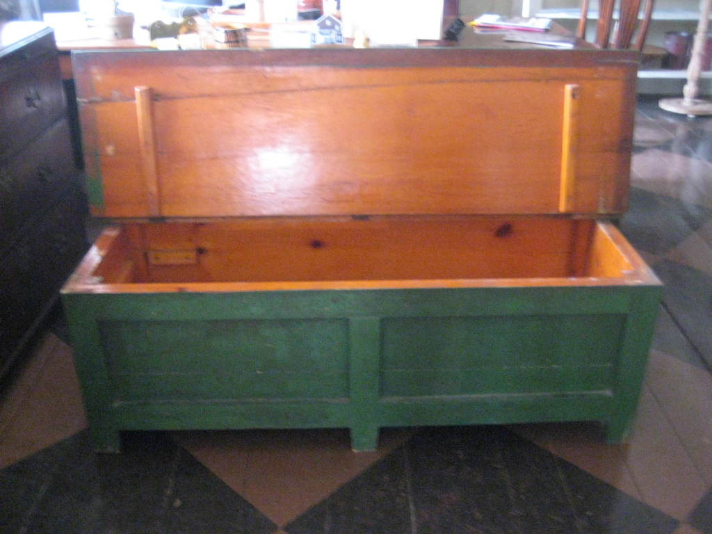 Green painted bench In Distressed Condition For Sale In Nantucket, MA
