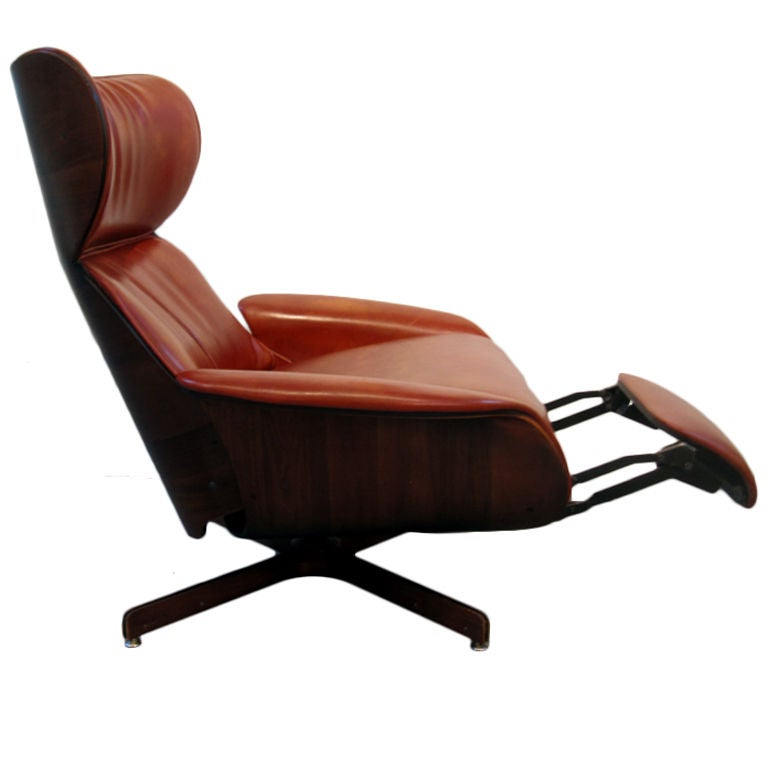 Recliner lounge chair Plycraft at 1stdibs