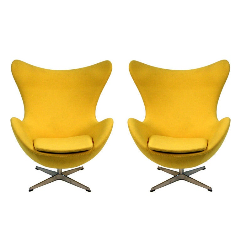 original pair arne jacobsen egg chairs fritz hansen at 1stdibs. Black Bedroom Furniture Sets. Home Design Ideas