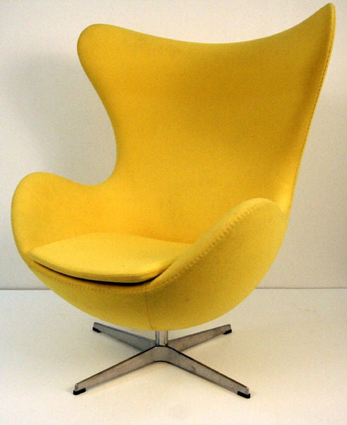 original arne jacobsen egg chairs fritz hansen at 1stdibs. Black Bedroom Furniture Sets. Home Design Ideas