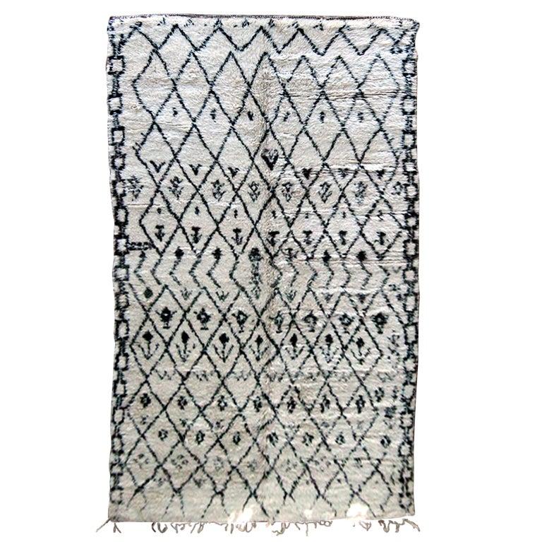 Large vintage Gemotrical Morrocan wool rug carpet Beni Ouarain