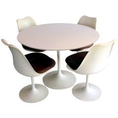 Tulip Dining Table With Four Chairs Eero Saarinen