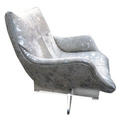 Lounge chair on lucite base Vladimir Kagan