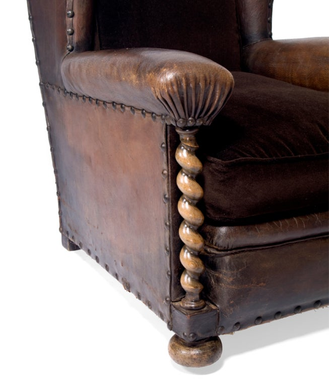 A Handsome 19th Century French Leather Library Chair 3