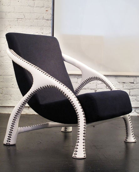 Yaka Tattoo Chair by Saccomanno Dayot 3