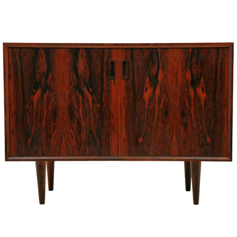 Small rosewood sideboard credenza 300 ch100 a at 1stdibs for Sideboard 300