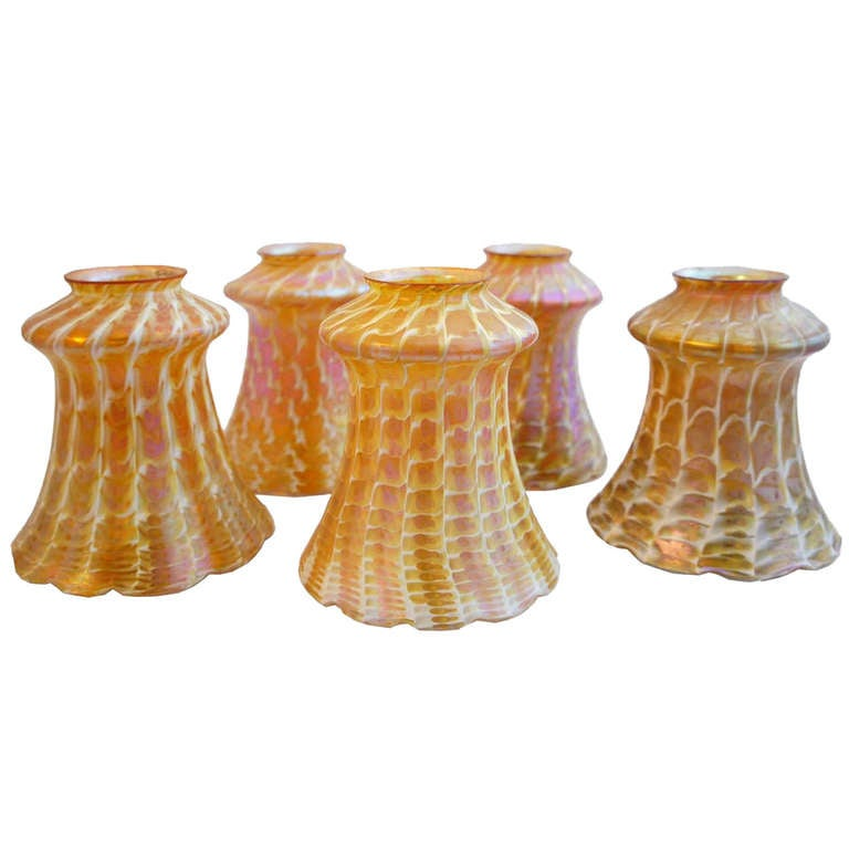 set of five american quezal art glass lamp shades at 1stdibs. Black Bedroom Furniture Sets. Home Design Ideas