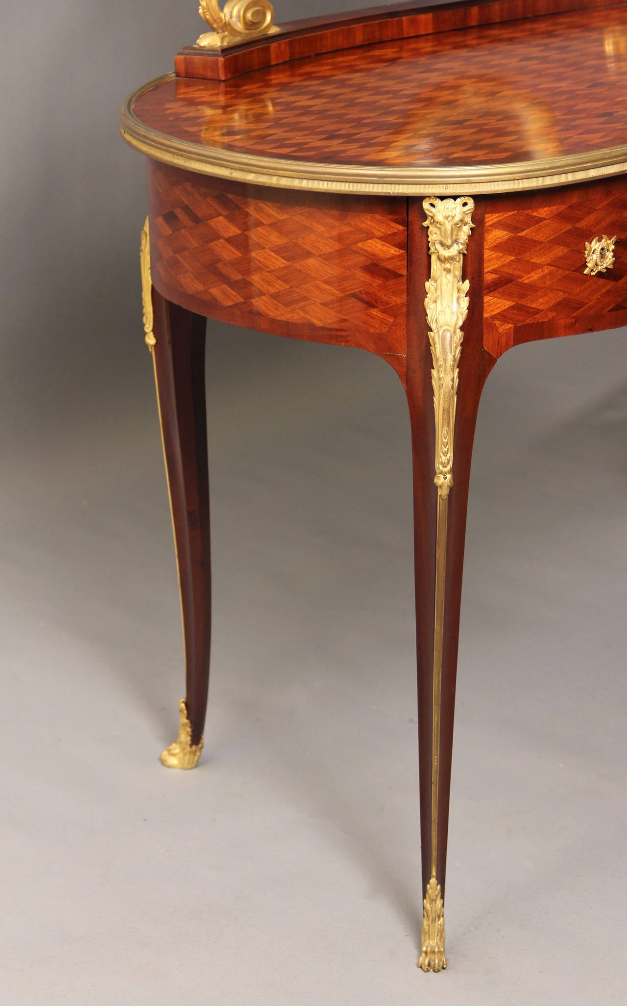 Belle Époque Late 19th Century Gilt Bronze-Mounted Louis XV Style Dressing Table For Sale