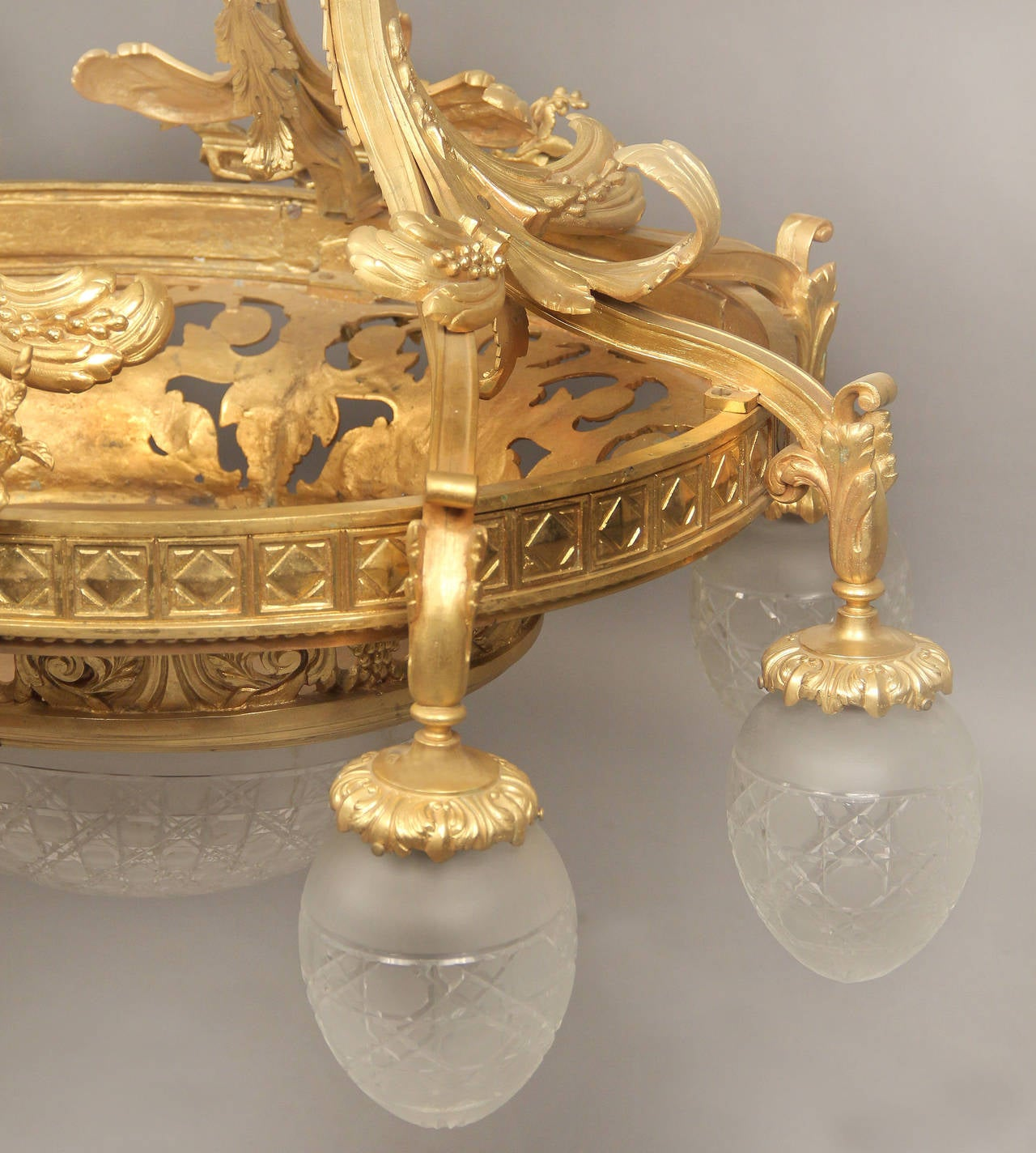 French Early 20th Century Gilt Bronze Ten-Light Chandelier For Sale
