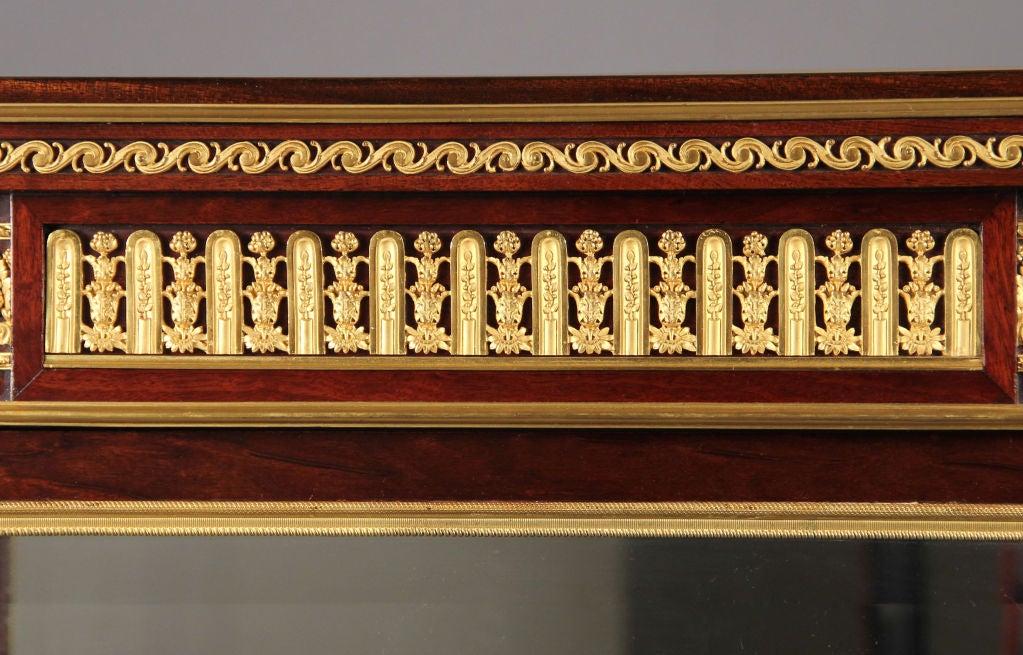 Belle Époque Great Quality Gilt Bronze-Mounted Vitrine by François Linke For Sale